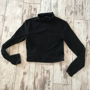 Cropped turtleneck